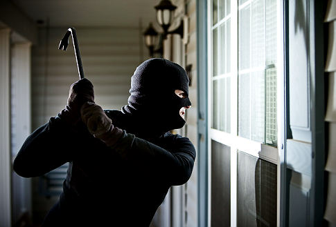 Zlodeji v domácnostiach a ich náradie